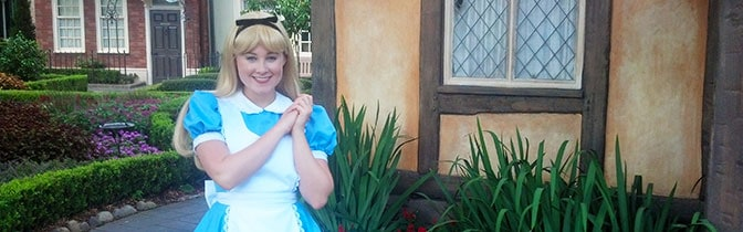 Alice Epcot meet and greet KennythePirate