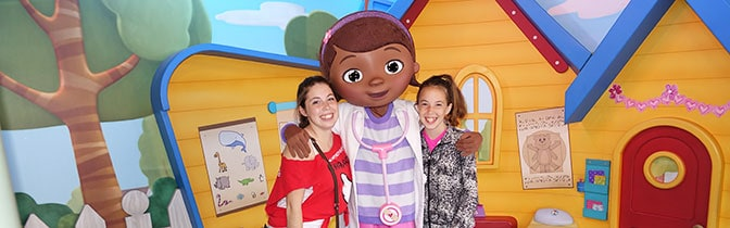 Doc McStuffins Hollywood Studios meet and greet KennythePirate