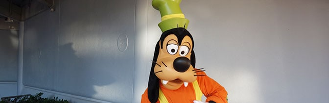 Goofy Epcot meet and greet KennythePirate
