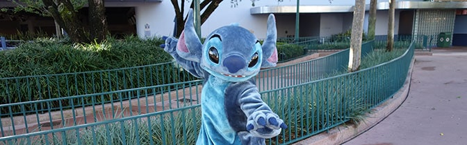 Stitch Magic Kingdom meet and greet KennythePirate