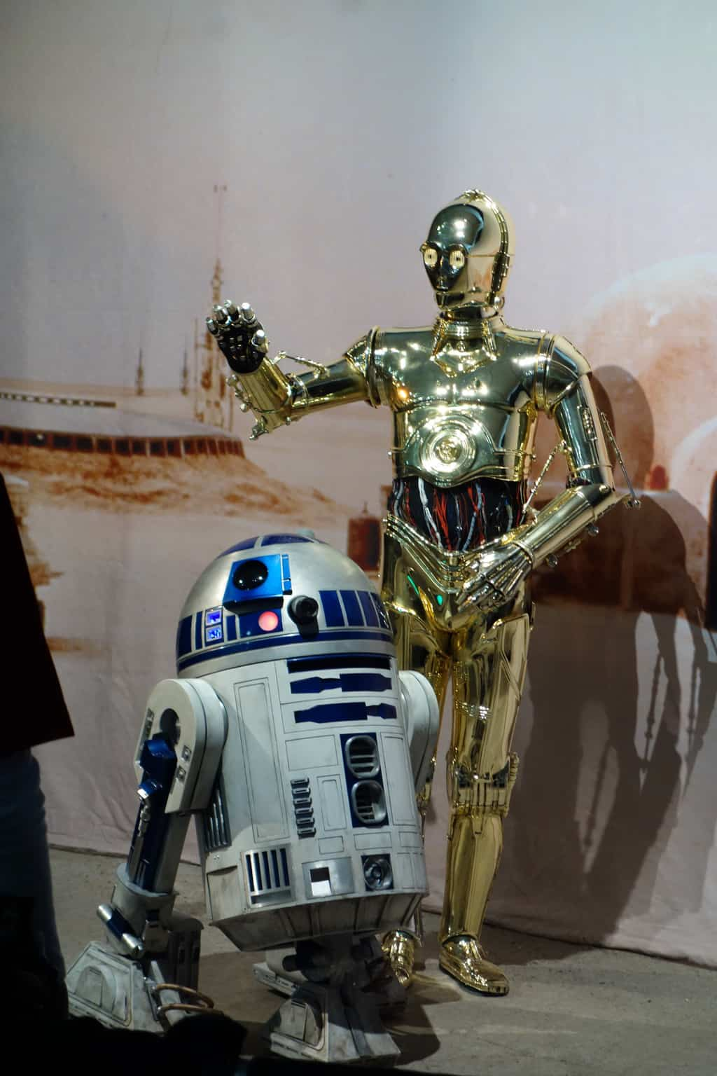 R2d2 And C3po C3PO and R2D2 Star War...