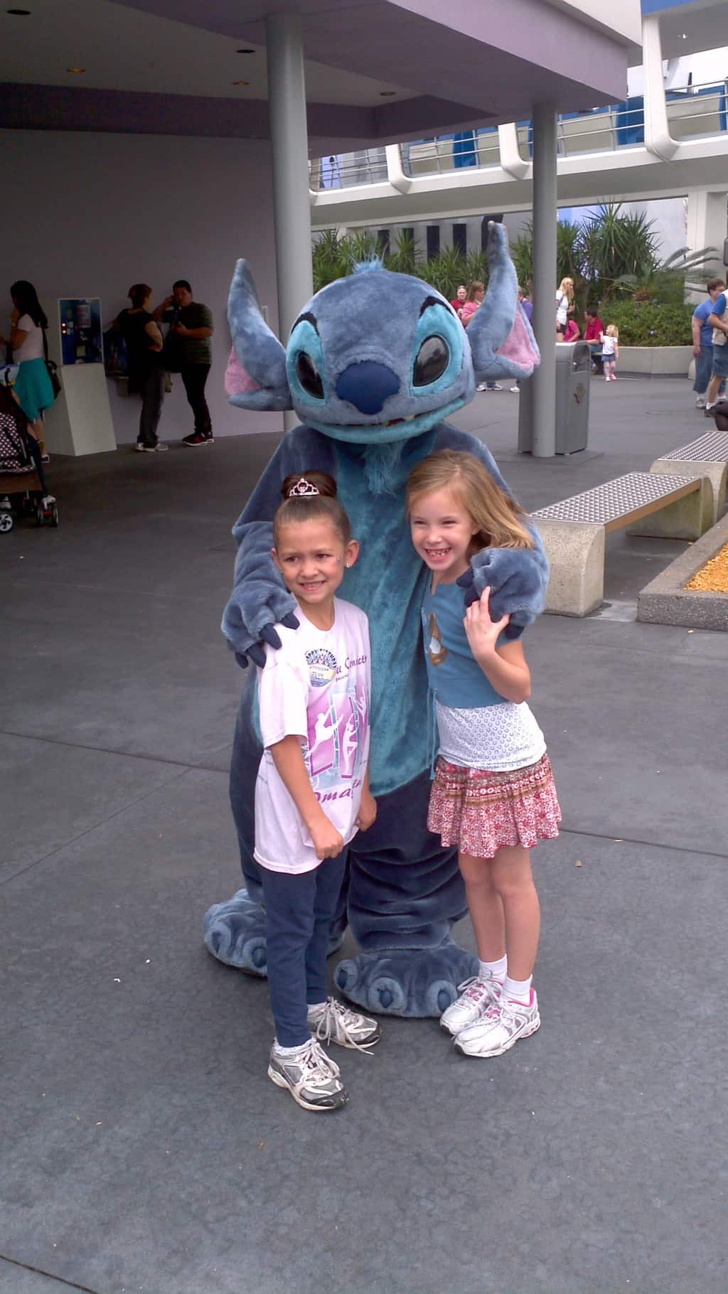 Stitch in Tomorrowland Magic Kingdom 2011