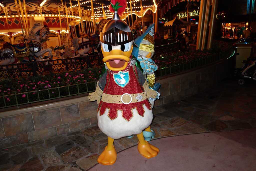 CM told Daisy she needed to fix her dress and of course the valiant and chivalrous Donald came to the rescue!