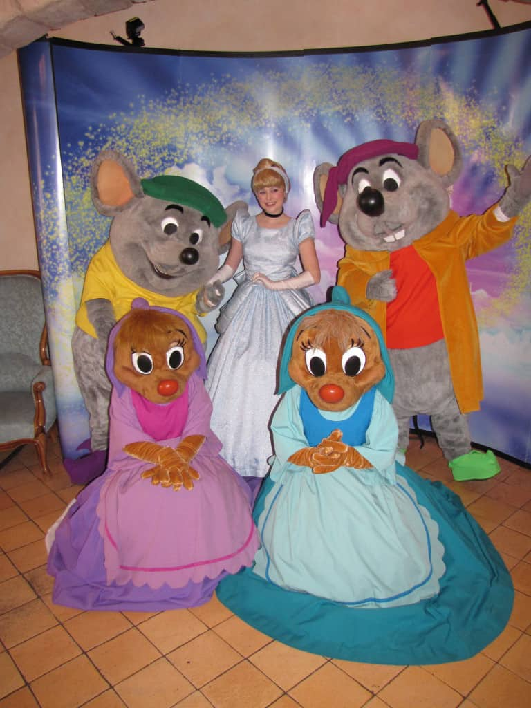 On Valentine Day 2010 a magical moment happened when for only a few Jac, Gus, Perla, Suzy and Cinderella possed for this photo
