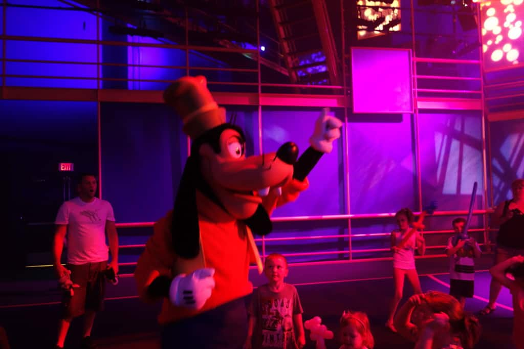 Goofy Disney Jr Dance Party Hollywood Studios