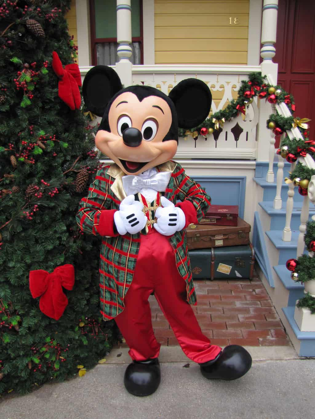 Disneyland Paris, Characters, Mickey Mouse, Christmas