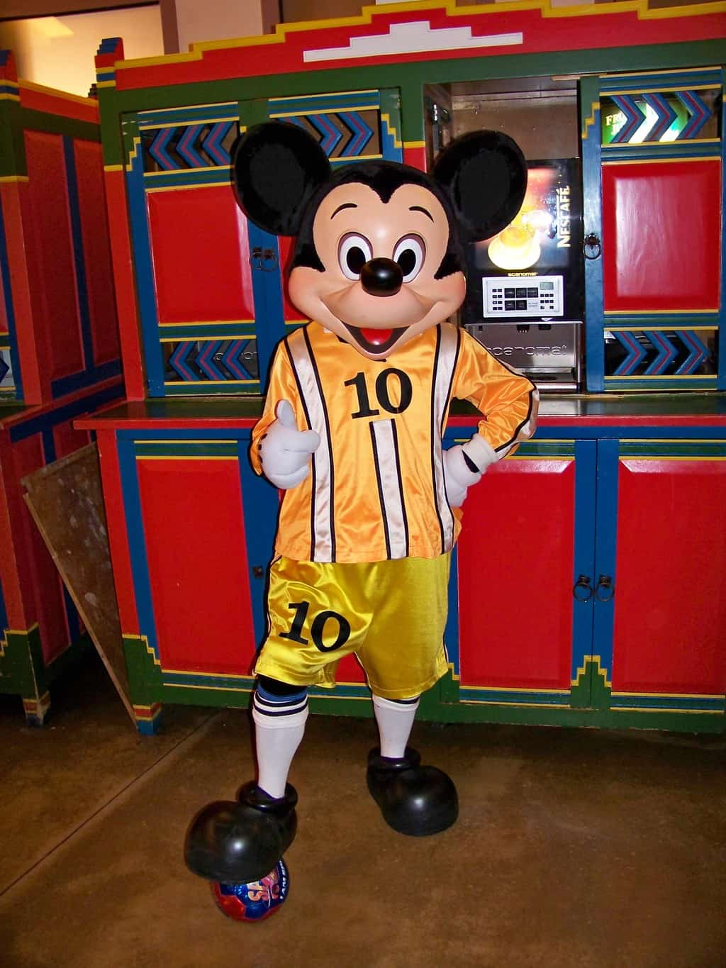 During the European Soccer Championship 2008 Mickey visited guests at the Disney's Santa Fe Hotel wearing a soccer outfit.