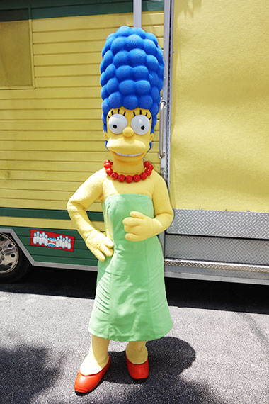 Marge Simpson Universal Orlando character meet and greet