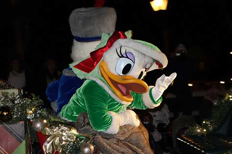 daisy duck christmas parade magic kingdom disney world