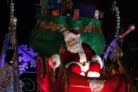 santa mickey christmas parade magic kingdom disney world