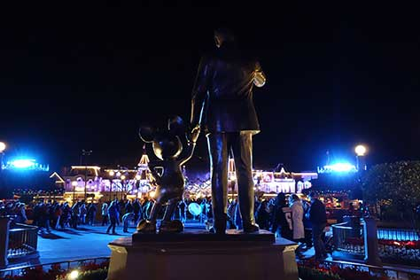 walt and mickey partners statue magic kingdom disney world