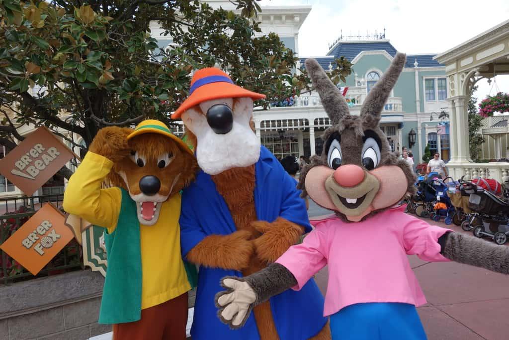 Brer bear and brer rabbit long lost friends magic kingdom disney world