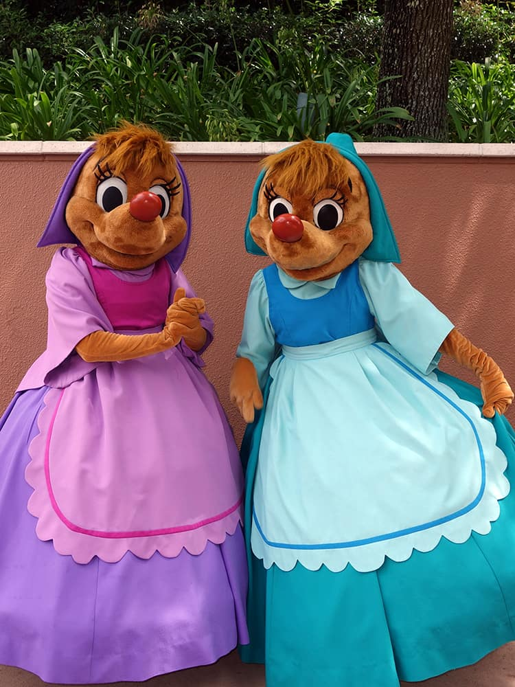 Suzy and Perla at Epcot World Showplace (1)