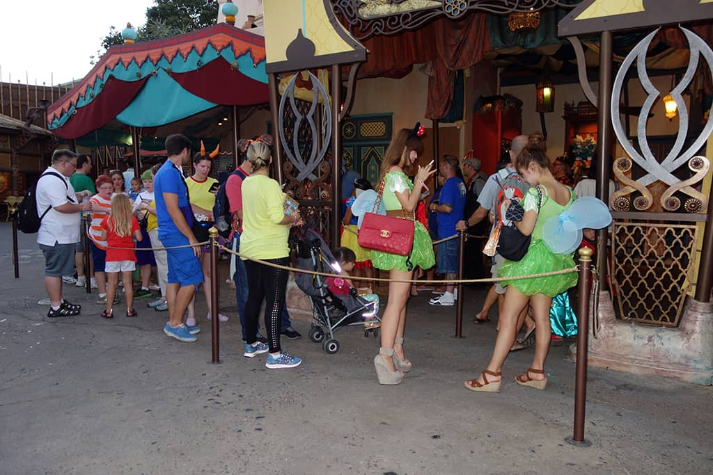 Line for Jasmine and Genie at 7:37 PM.  They were alternating with Aladdin and Abu until late in the party when I found them together.