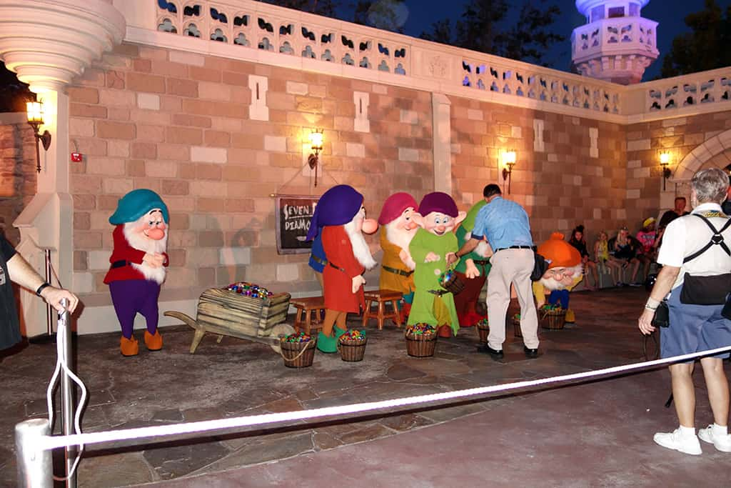 The 7 Dwarfs!  Yes 7, not 6 or 8, but 7 of them...all together.  The line was said to be in the 45 minute range most of the night, probably because people didn't follow my advice on Jack and Sally and they are still standing there at 8:01 PM