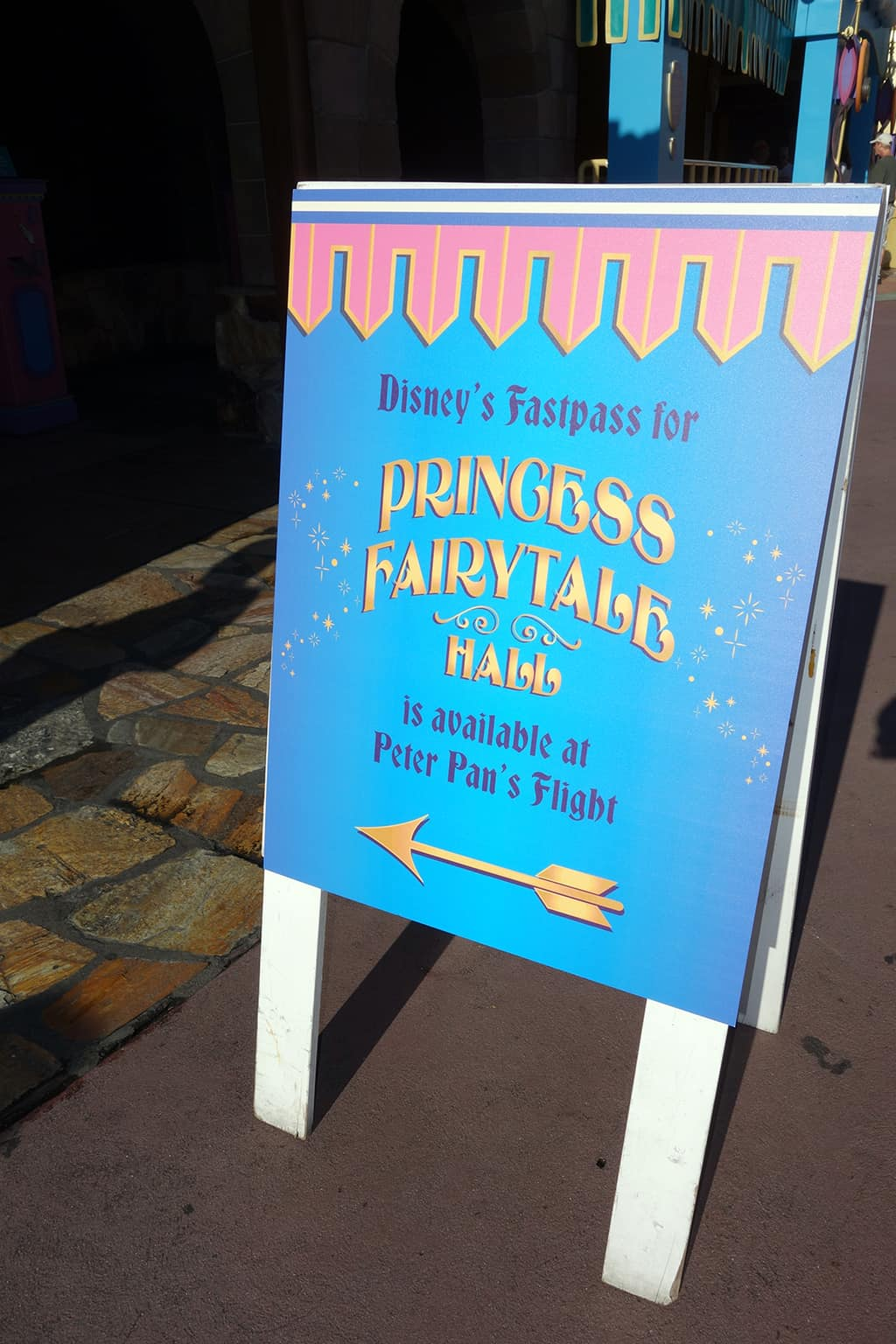 Once you get to the Peter Pan's Flight Fastpass distribution area, you'll see another handy sign pointing at the machines