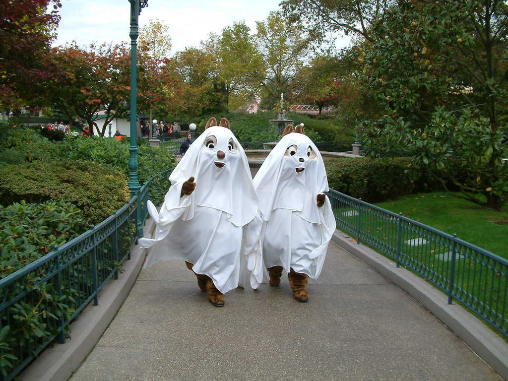 Chip'n'Dale were dressed as ghosts for many years in these outfits, but in 2009 they received new ghosts outfits.