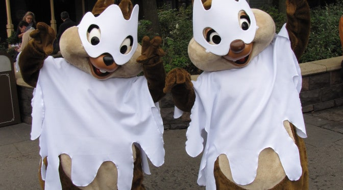 Worldwide Wednesdays:  Great Halloween costumes at Disneyland Paris including Huey Dewey and Louie