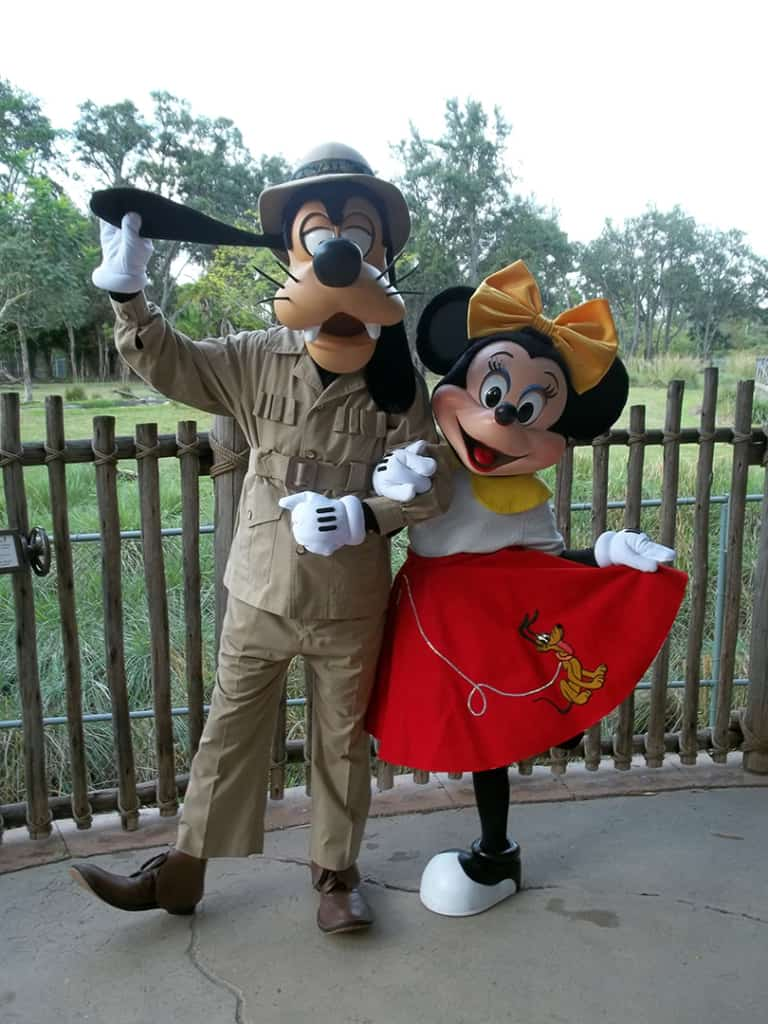 Walt Disney World, Character Meet and Greet, Halloween, Animal Kingdom Kidani Lodge, Goofy, Minnie Mouse