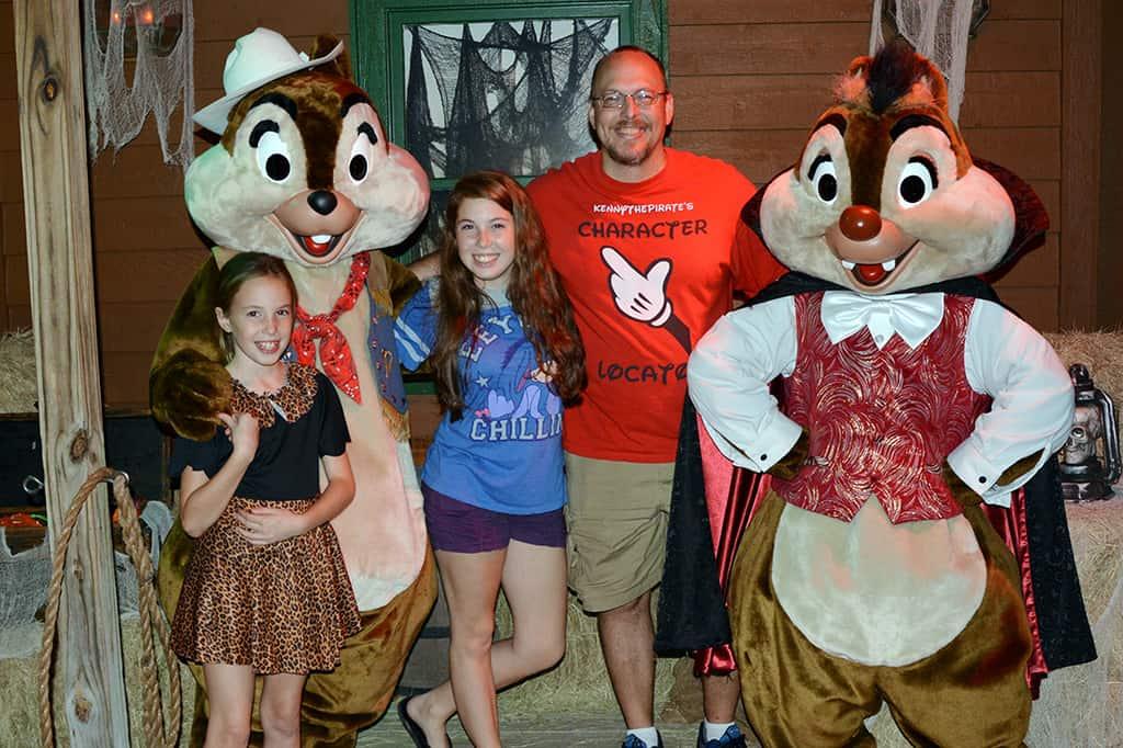 Walt Disney World, Character Meet and Greet, Halloween, Fort Wilderness Campfire, Vampire Chip, Cowboy Dale