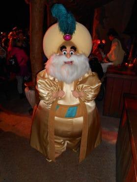 disneyland-halloween-soiree-2013-sultan-from-aladdin