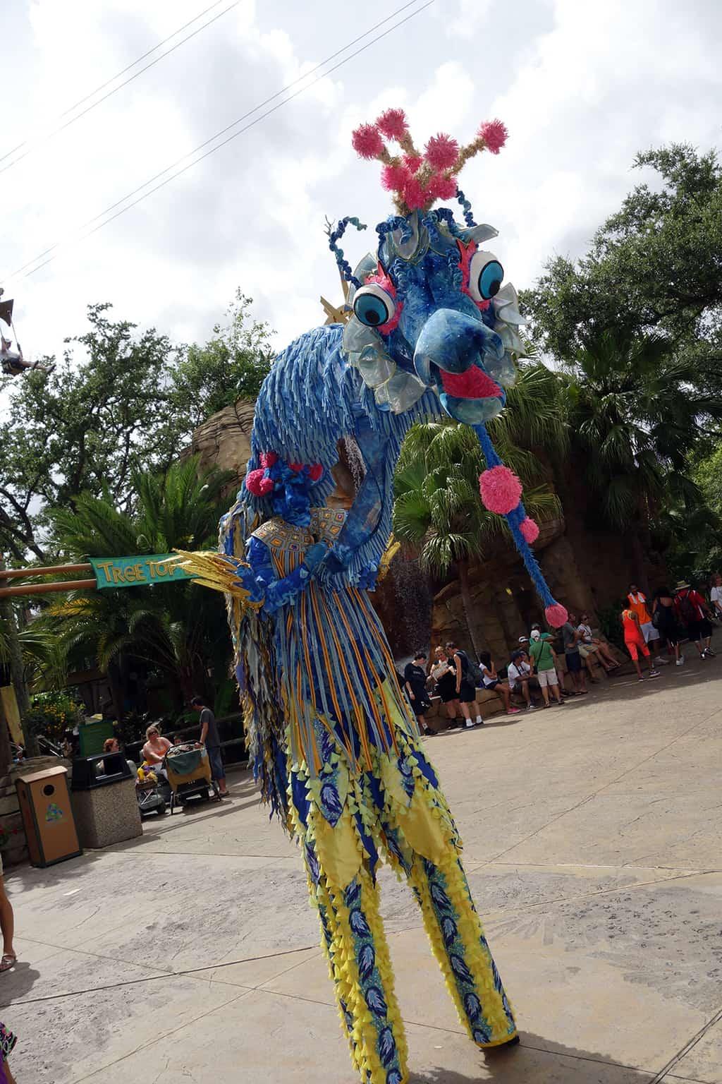 Busch Gardens Tampa Stiltwaker Character (8)