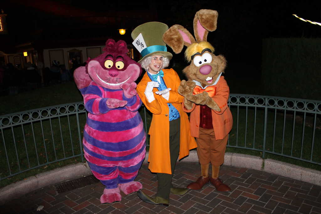 Disneyland Paris Halloween Party 2013 - Alice in Wonderland Group ...