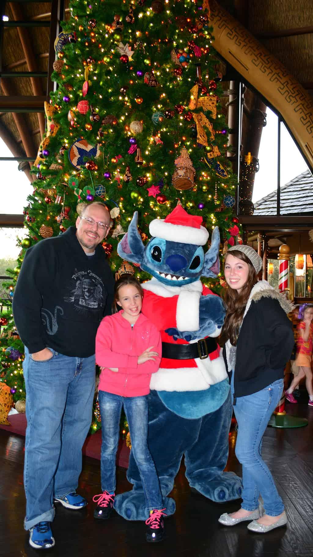 Santa Stitch Animal Kingdom Lodge Kidani Christmas Characters and Christmas Decor (28)