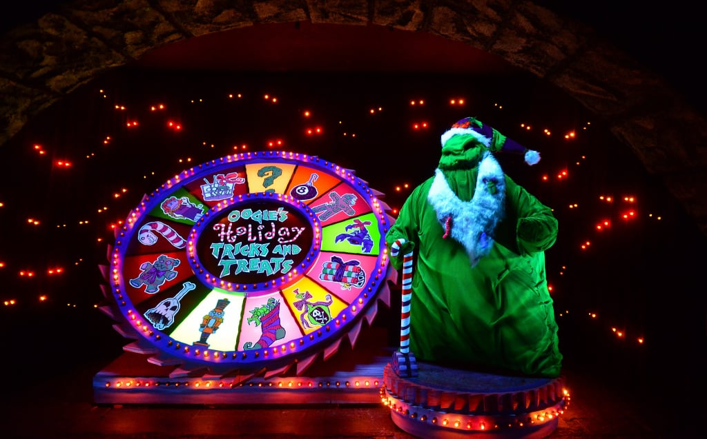 Disneyland Haunted Mansion Holiday Rich Muller (10)