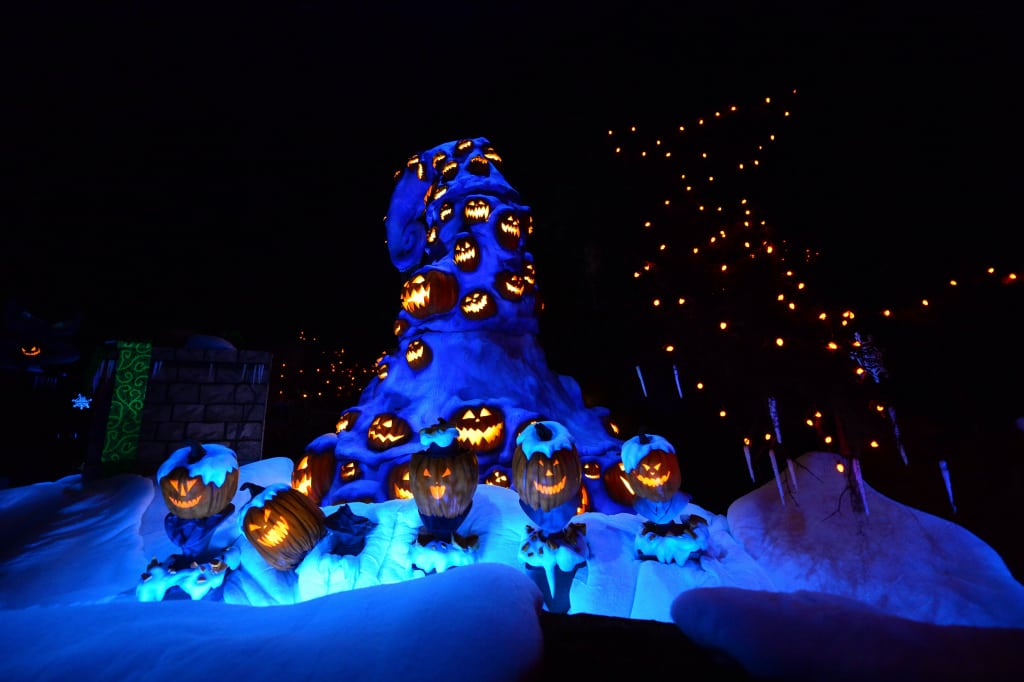 Disneyland Haunted Mansion Holiday Rich Muller (23)