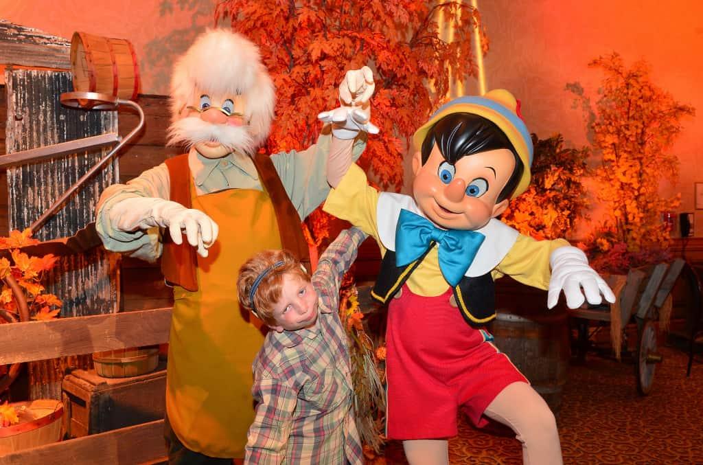 Disneyland Thanksgiving Meal Rich Muller (22)