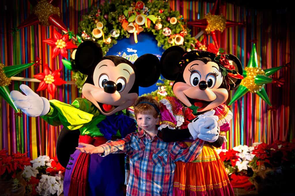 Disneyland Viva Navidad Rich Muller (2)