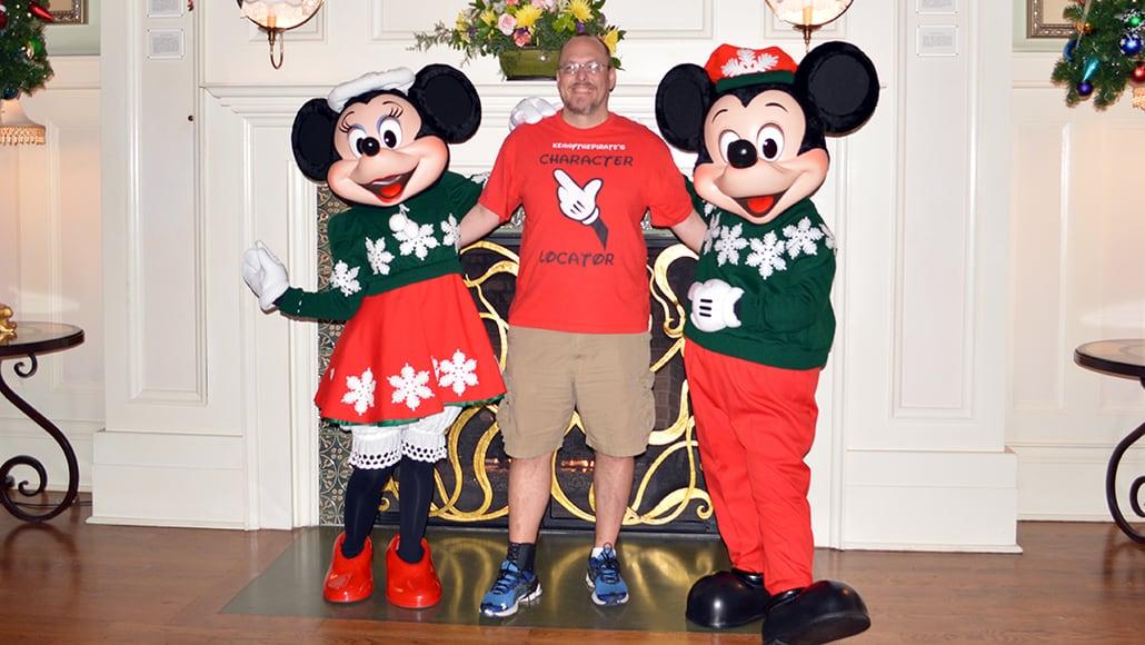 Walt Disney World Boardwalk Resort Chrismas Characters Mickey and Minnie and Christmas Decor (4)