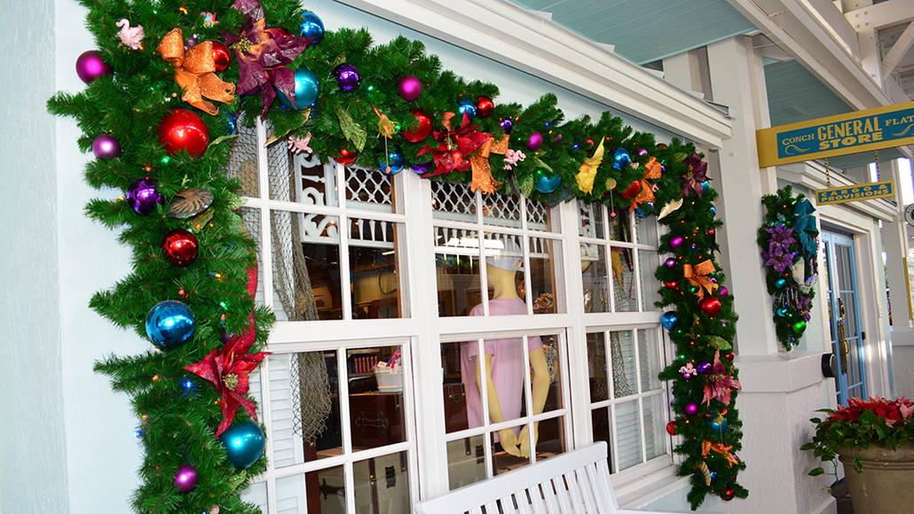 Walt Disney World Old Key West Resort Christmas Characters Santa Goofy Christmas Decor (22)