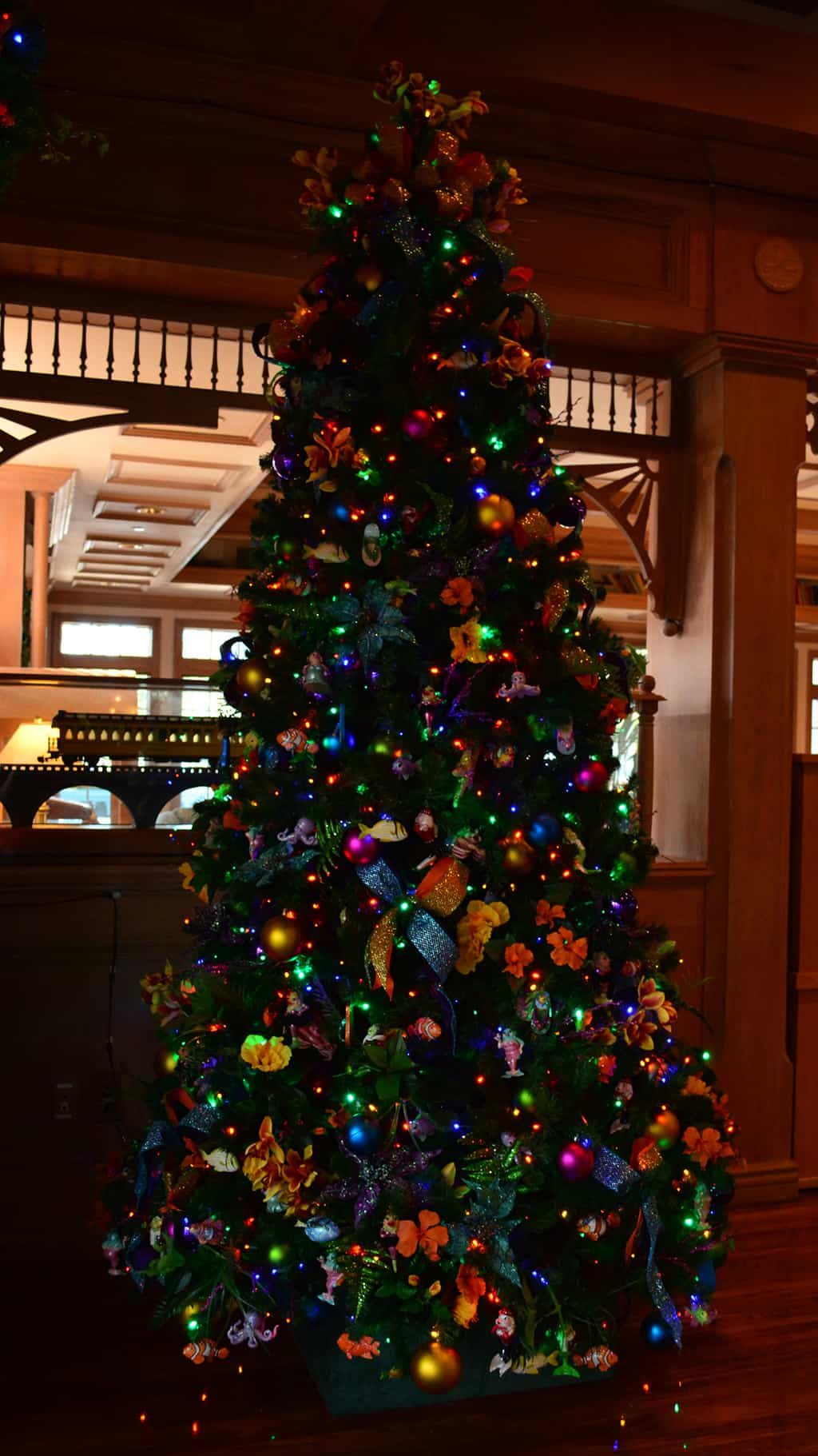 Walt Disney World Old Key West Resort Christmas Characters Santa Goofy Christmas Decor (28)