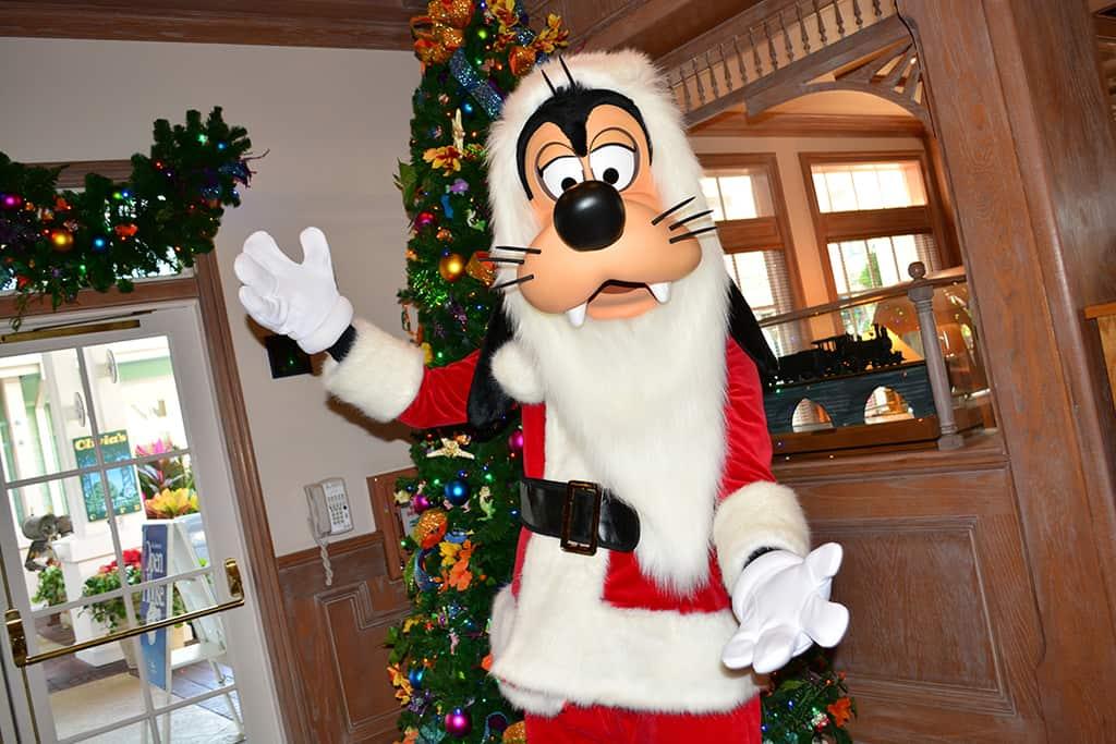 Walt Disney World Old Key West Resort Christmas Characters Santa Goofy Christmas Decor (9)