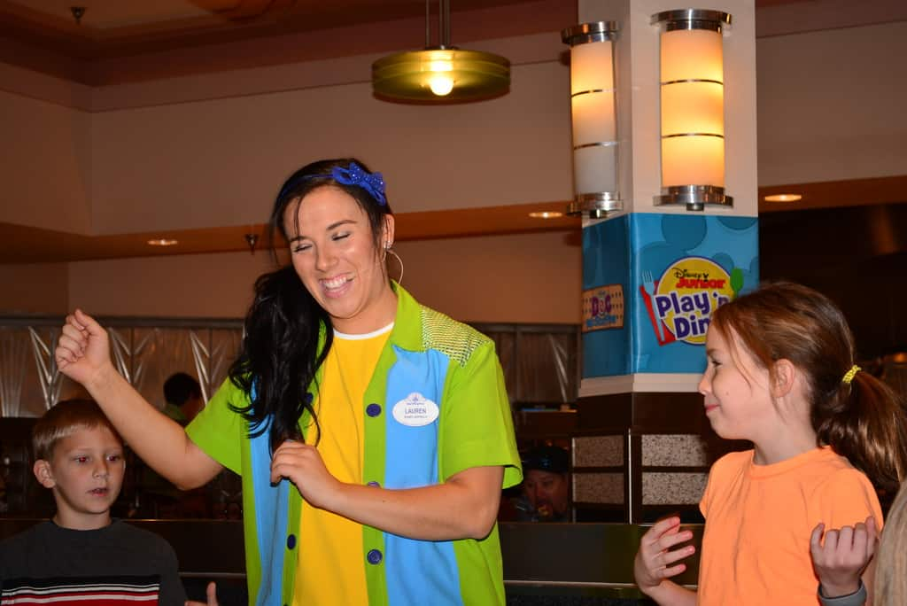 Walt Disney World Hollywood and Vine Character Meal (40)