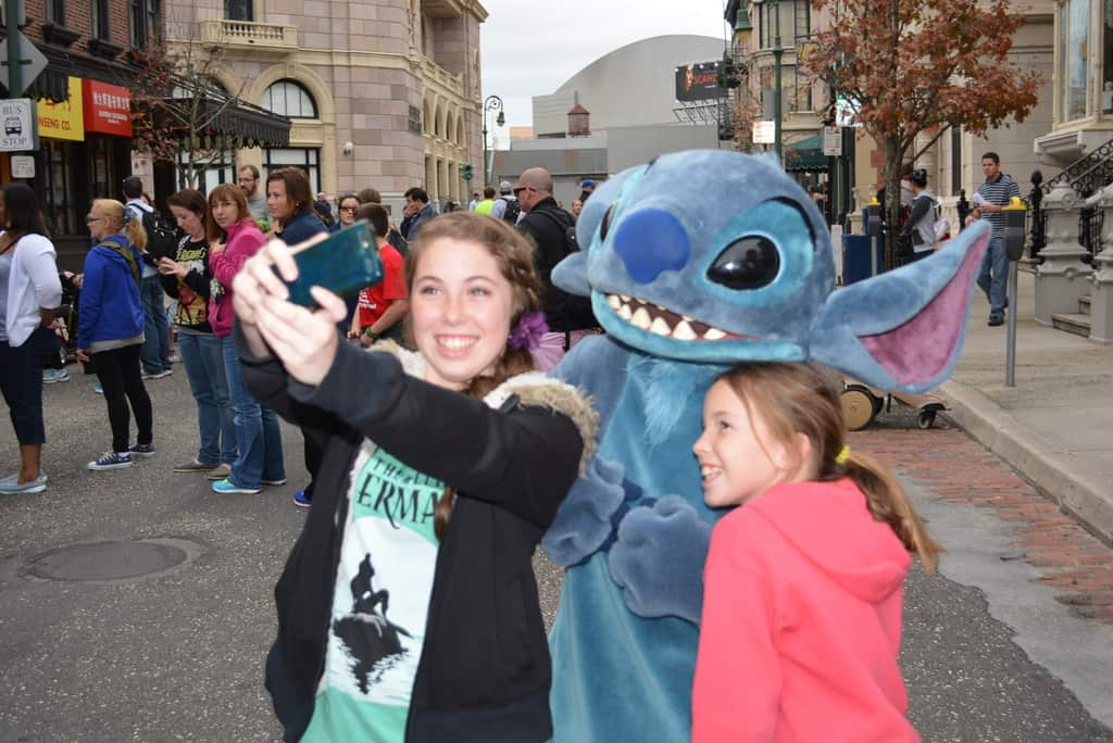 Walt Disney World, Hollywood Studios, Streets of America, Character Palooza, Snow White, Stitch