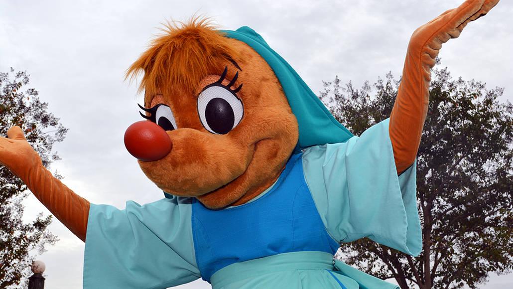 Walt Disney World, Magic Kingdom, Celebrate a Dream Come True Parade, Suzy and Perla