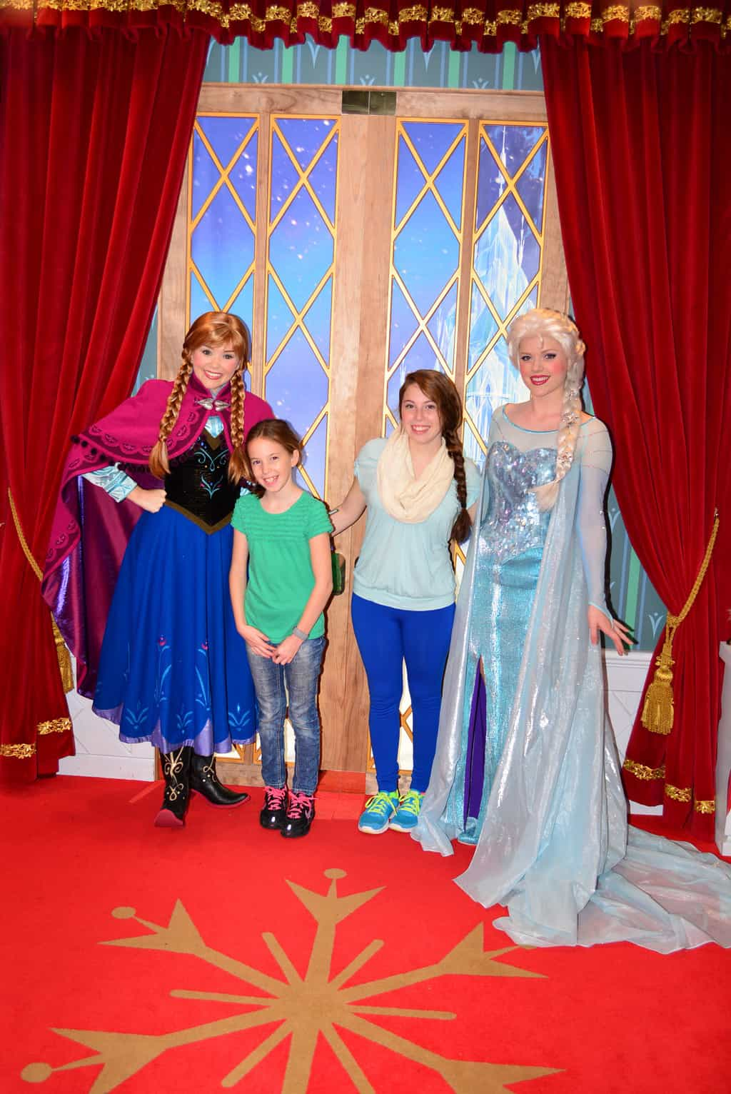 Walt Disney World, Epcot, Norway, Anna and Elsa meet and greet