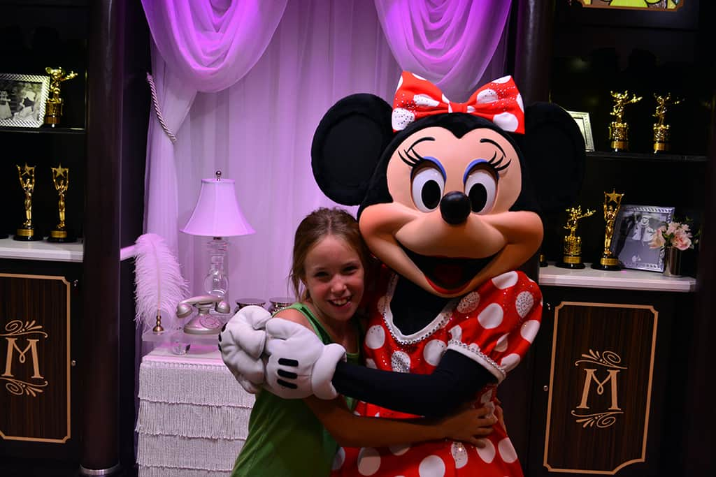 minnie mouse at hollywood studios