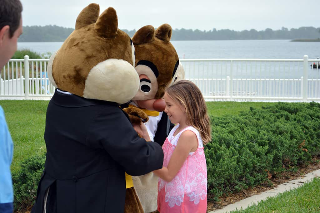 Easter Contemporary Resort character meet and greets Chip n Dale