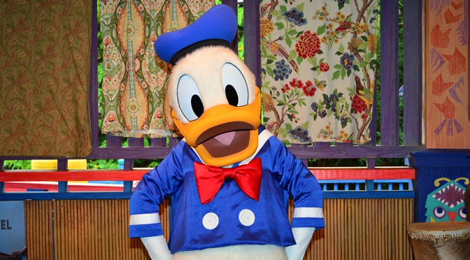 Donald, Daisy and Goofy change costumes and locations at Hollywood Studios