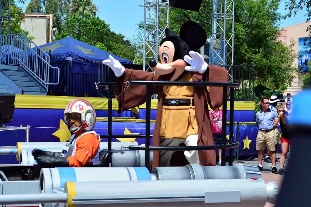 Star Wars Weekends Celebrity Motorcade Feel the Force Premium Package (27)