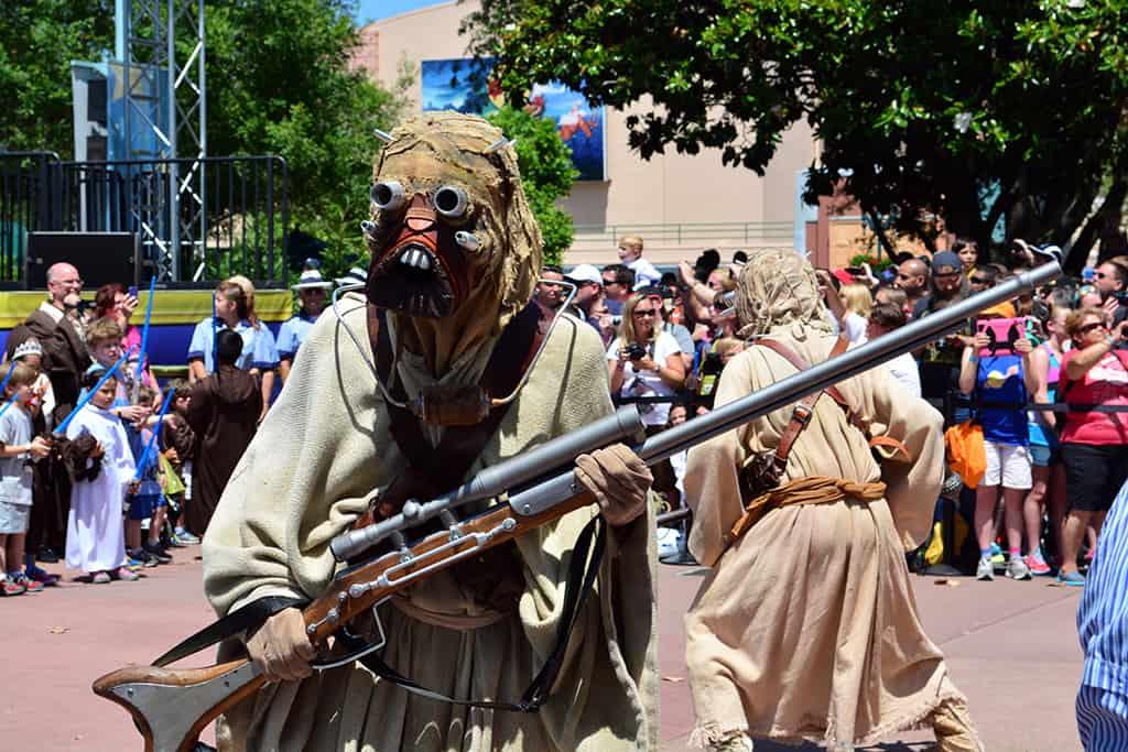 Star Wars Weekends Celebrity Motorcade Feel the Force Premium Package (78)