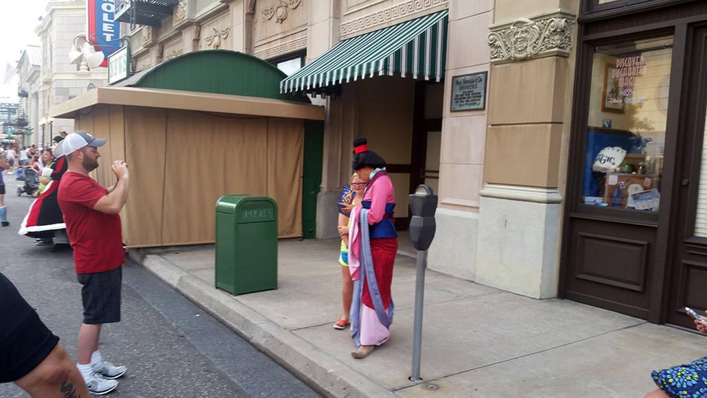 Character Palooza on New York Street in Hollywood Studios in Disney World Mulan