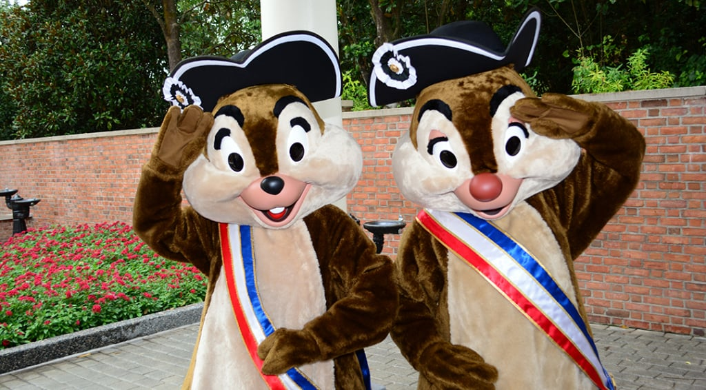 Chip n Dale in Patriotic Revolutionary War costumes in Epcot's American Adventure