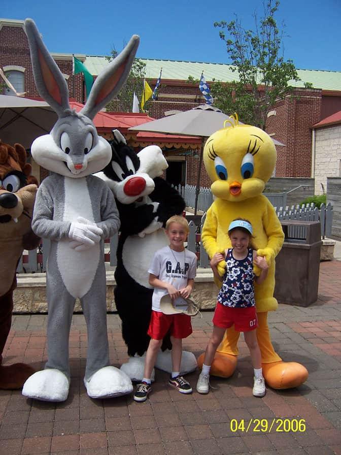 Tazmanian Devil Bugs Bunny Sylvester and Tweety Six Flags San Antonio 2006