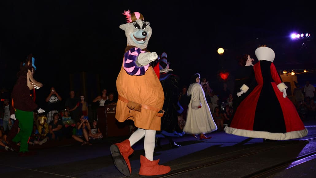 Mickey's Not So Scary Halloween Party 2014 Boo to You Halloween Parade Sheriff of Nottingham
