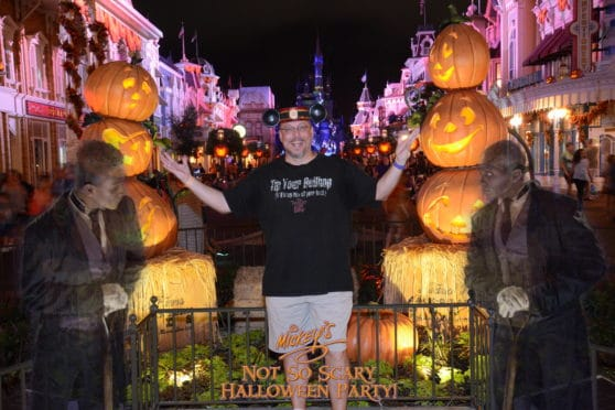 Mickey's Not So Scary Halloween Party Poison Apple Haunted Mansion Butlers Magic Shot